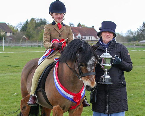 Equestrian Team Member qualifies for Royal International Horse Show